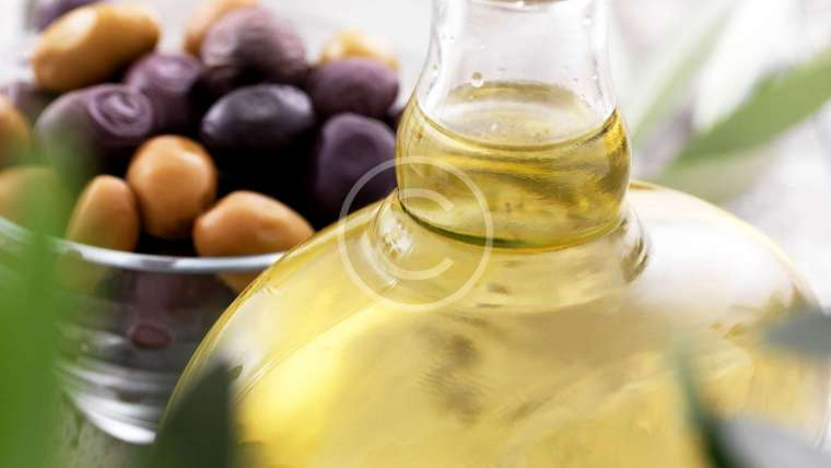 Can You Really Use Olive Oil To Wash  Your Face?